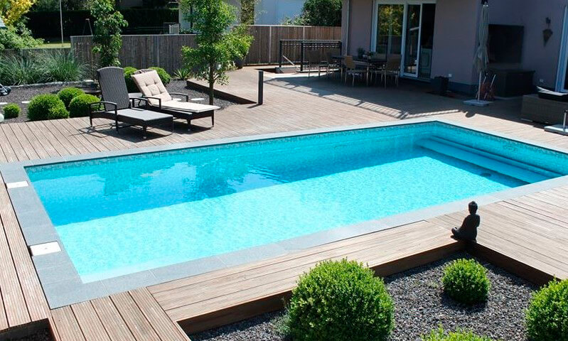 stunning holzterrasse mit pool images. Black Bedroom Furniture Sets. Home Design Ideas