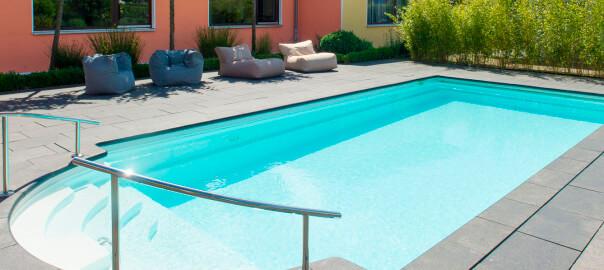 Top-Wasserqualität im Fertigbecken dank Starline Pooltechnik