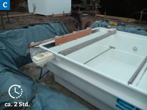 Einsetzen der Stellprofile und Montage Skimmer