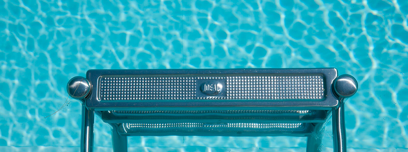 klares Wasser im Pool