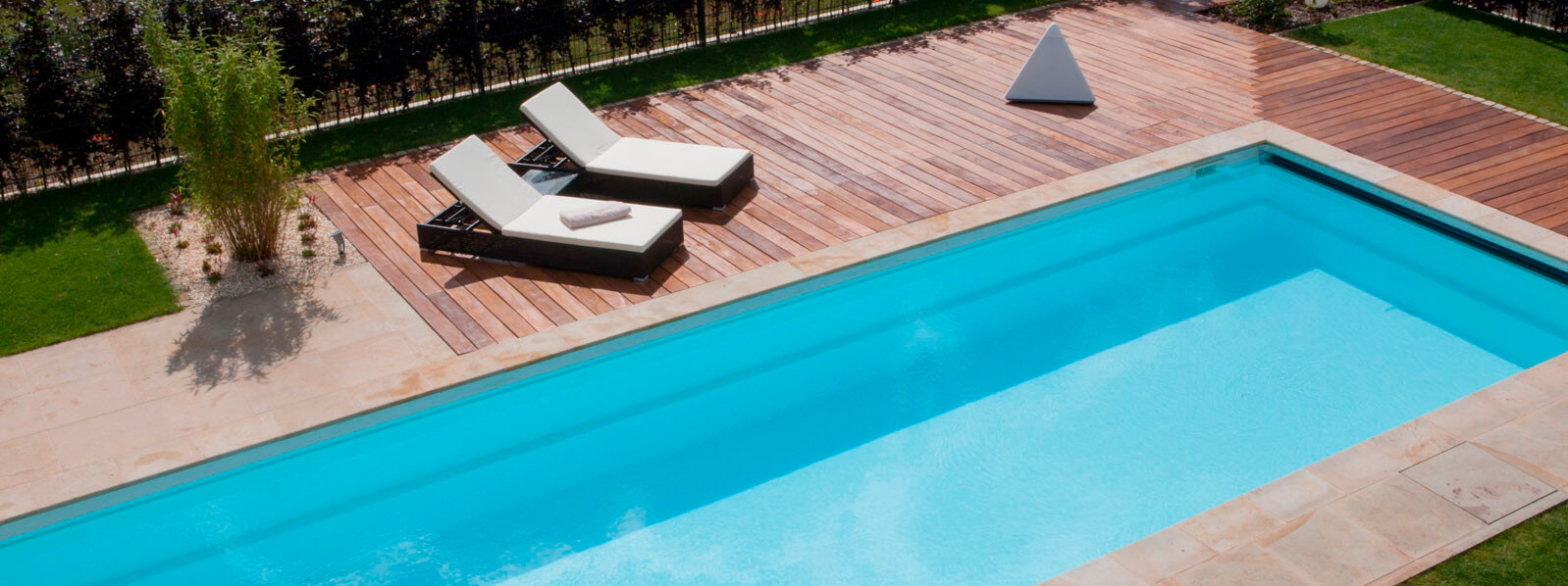 Pool holz perfect good moderne mit pool moderne aus holz for Pool design polen